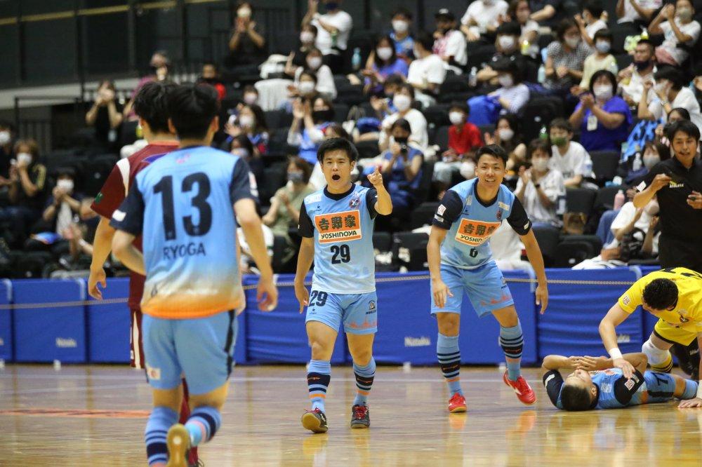 【F1】堤優太の2ゴールの活躍で一時は4点差を付けた横浜、すみだを破って初の4連勝!