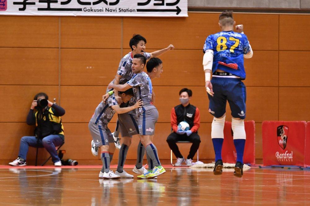 【F1】残り3分からのゴールラッシュ! 湘南が北海道に逆転勝利で2連勝を飾る!